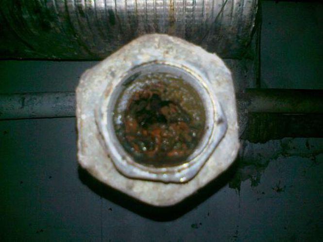 Vodoinštalačné práce, vodoinštalácie, oprava vodovodného potrubia, rekonštrukcia vodovodného potrubia a odpadov, oprava a inštalácia rozvodov vody, prasknuté a staré vodovodné potrubie, oprava potrubia, výmena odpadov a kanalizácie, výmena radiátorov