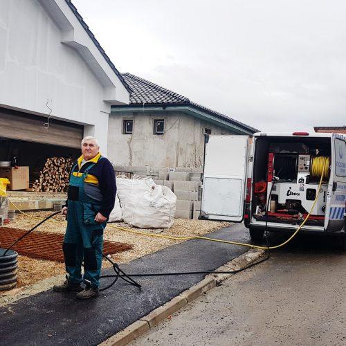 Prebíjanie kanalizácie, prebíjanie a čistenie odpadov, upchaté potrubie, krtkovanie kanalizácie a potrubia, čistenie odpadu, potrubí a odtokov, upchatá kanalizácia